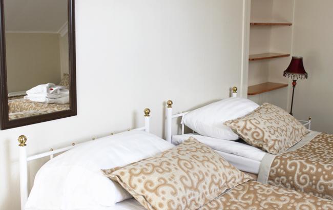 6 Kotiopetta- jattaren huone